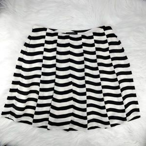 Banana Republic | Full Pleated Wide Stripe Skirt